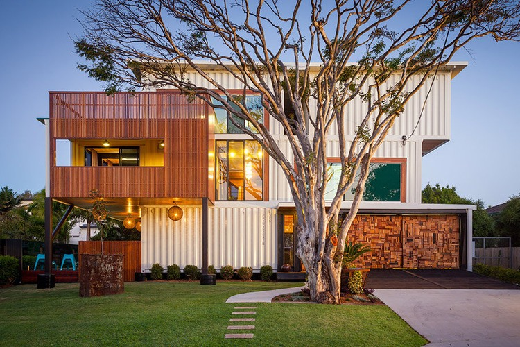 31 Shipping Container Home 750 x 500