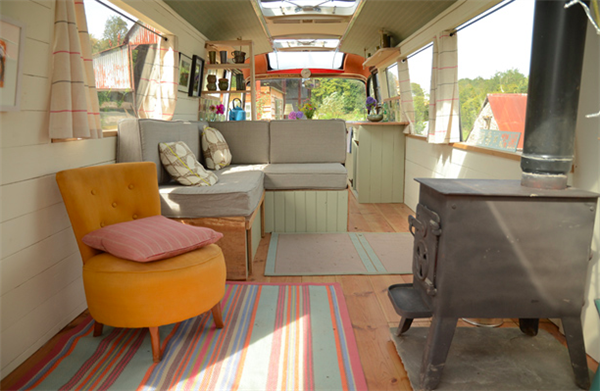 tiny-house-conversion-from-bus